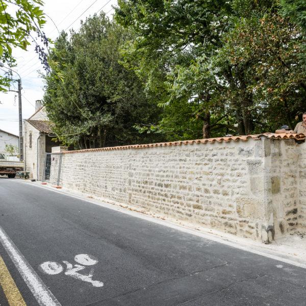 Restauration d'un mur à Niort